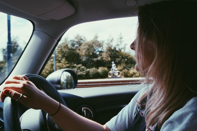 a female teen driver